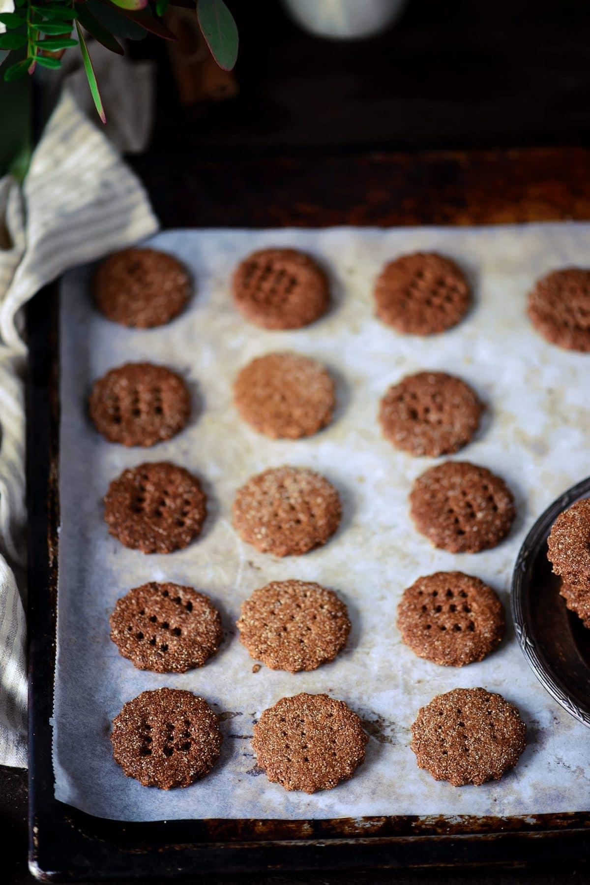 chocolate graham crackers with honey