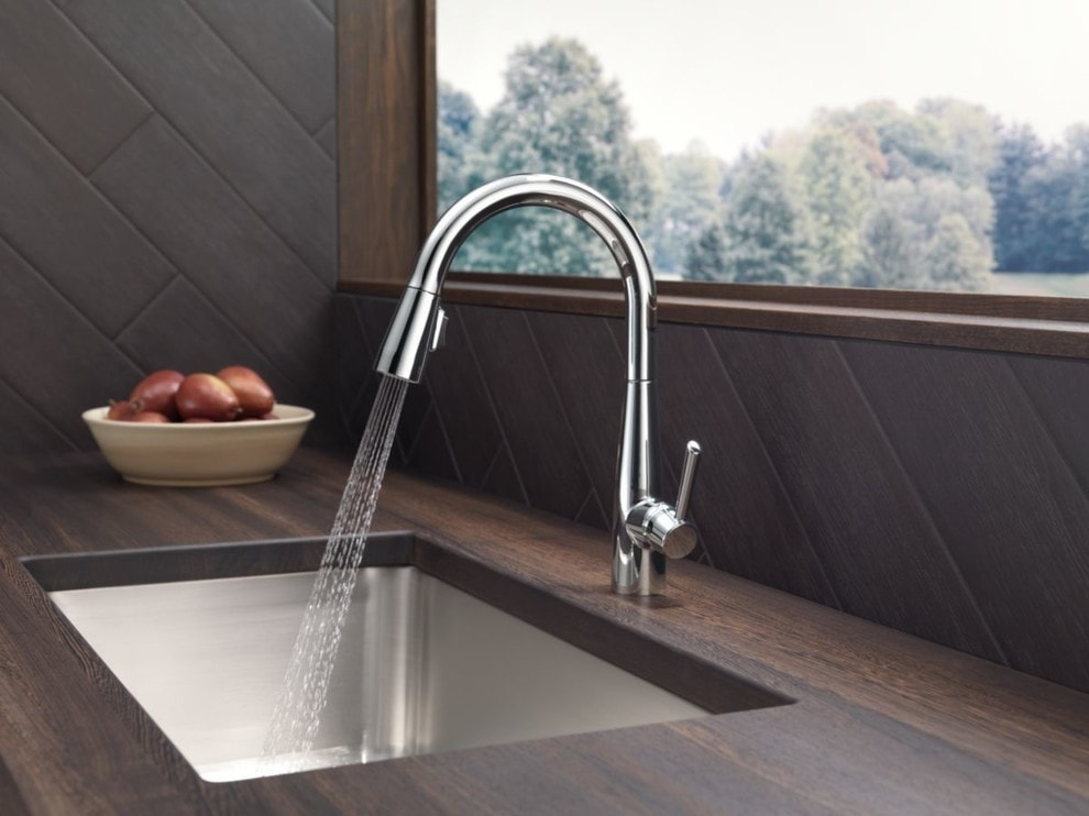 Single Handle Pull-Down Touchless Kitchen Faucet