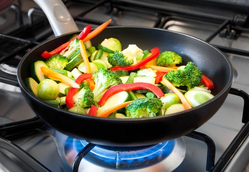 black cooking pan for gas stove